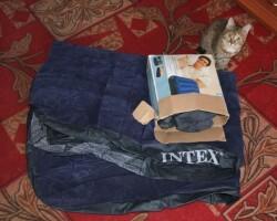 Как заклеить надувной матрас и чем можно в домашних условиях